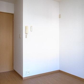 家具は低めに統一して、圧迫感を減らしてみるのも◎(※写真は1階の同間取り別部屋のものです)
