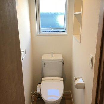 トイレの時間ってわりと落ち着きますよね。ここのトイレ、まさにそんな空間でした…