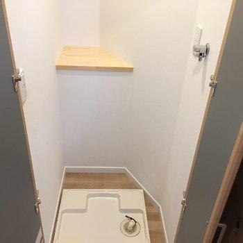 扉付き!だから、急な来客にも洗濯物を見られることはなし。