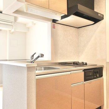【LDK】キッチンはシステムキッチンです。