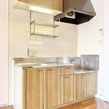 キッチン横に冷蔵庫を置きましょう。