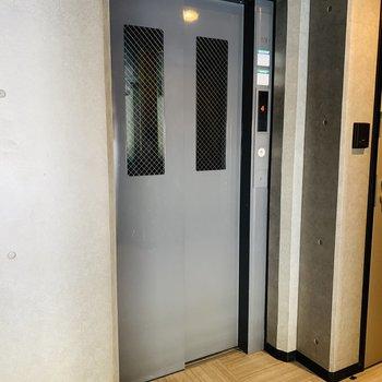 エレベーターも付いてます