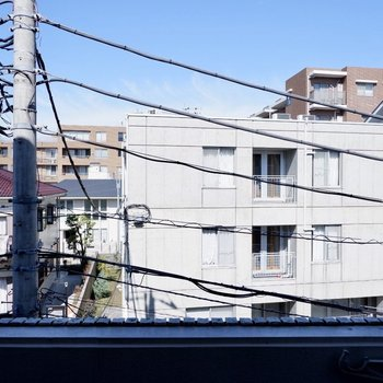周辺は慣性な住宅街。