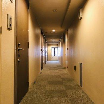 内廊下で綺麗ですね