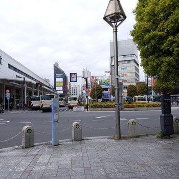 お部屋を出て歩いてすぐ吉祥寺駅北口です。