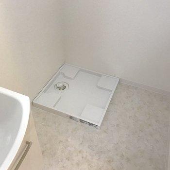 洗濯機は脱衣所におけるので洗濯も楽チン。