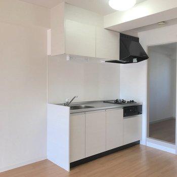 【LDK】キッチンは新品に取り替えられています。