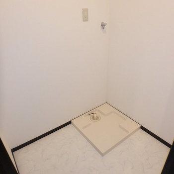 【サニタリー】タオルや洗剤など置く棚があると便利そう