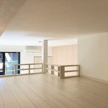 【ロフト】ごろんと横になりたくなっちゃいますね※写真は1階の反転間取り別部屋のものです