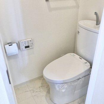 トイレはシンプルスタイル。