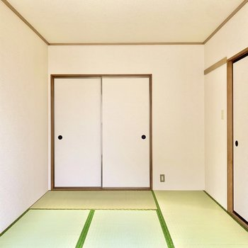 【和室】押入れを開けてみましょう。