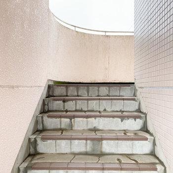 階段の段差は低めです