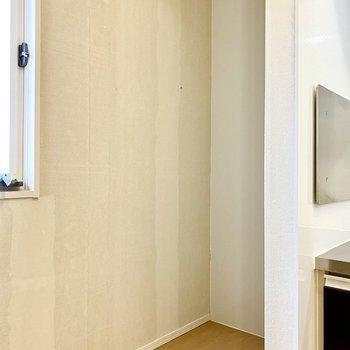 【LDK】冷蔵庫はこちらに。※写真はクリー二ング前のものです