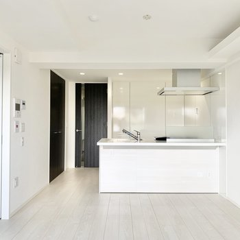 対面式のキッチン。