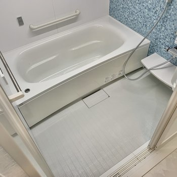 浴室も爽やかなブルーです。