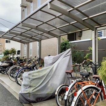 屋根付き駐輪場、バイク置き場に、
