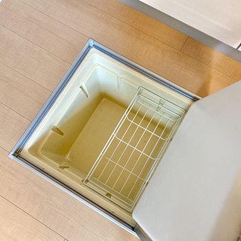 床下収納も活用して、キッチン周りをスッキリさせましょう。