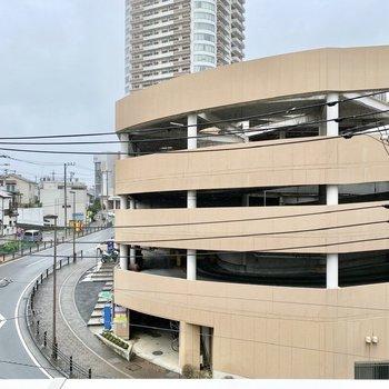 眺望は駅直結のスーパー。