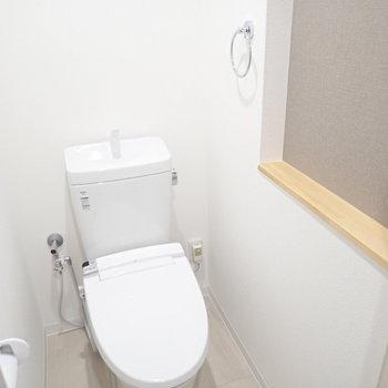 トイレにはディスプレイゾーンがあります!小さなぬいぐるみなどを。