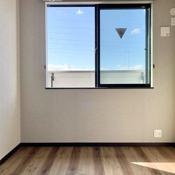 【3階洋室】3階にはもう1室お部屋があります。