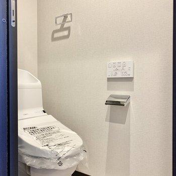 【3階】左手にトイレがあります。