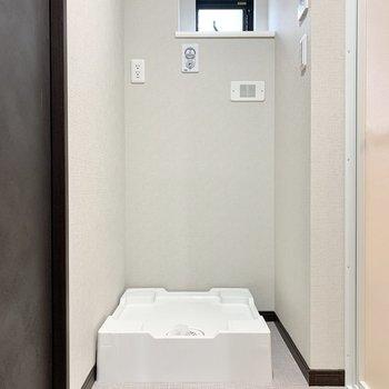 【2階サニタリー】脱衣所は2階です。