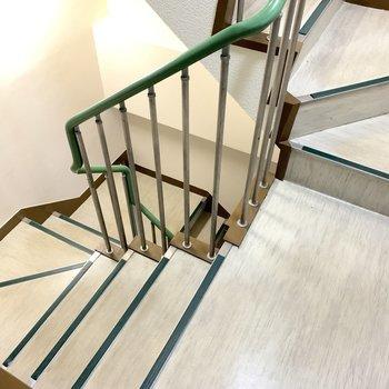 お部屋までは階段。がんばりましょう〜!