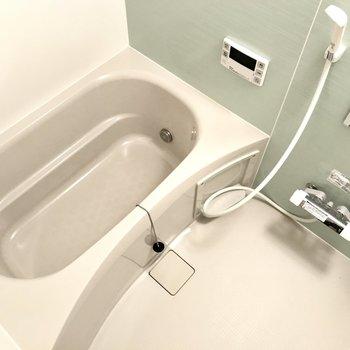 【1階サニタリー】全てが新品!追い焚き機能・浴室乾燥機つきですよ!