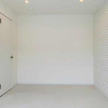 スペースもあり明るいお部屋。子供が大きくなったら使ってもらおう♪※写真は内装前のものです