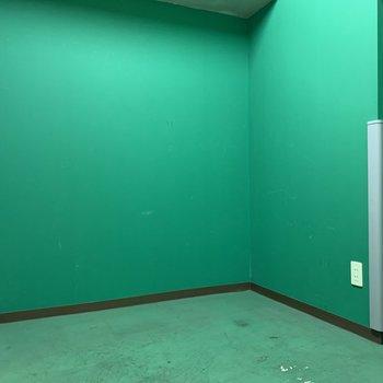 コンセントもあるのでメンテナンスも楽そうです※写真は5階の同間取り別部屋のものです