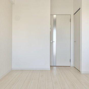 家具も白で統一したいですね。※写真は9階の同間取り別部屋のものです