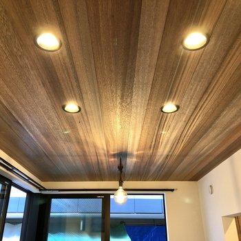 【LD】木目の美しい天井。
