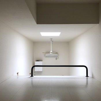 【ロフト】寝室や収納場所として使えそうです。