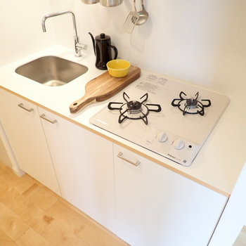 【家具イメージ】キッチンはガスコンロ式!お料理もしやすい設計です◎