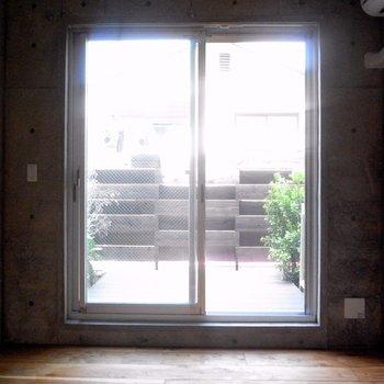 寝室もしくは仕事場にしましょう※写真は同階の同間取り別部屋のものです