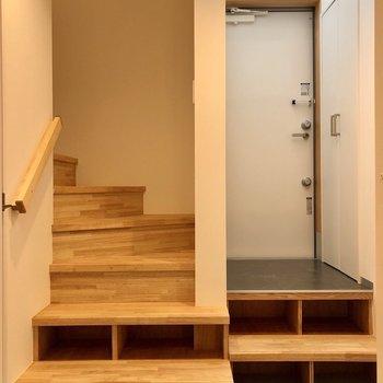 階段下のスペースも有効活用。