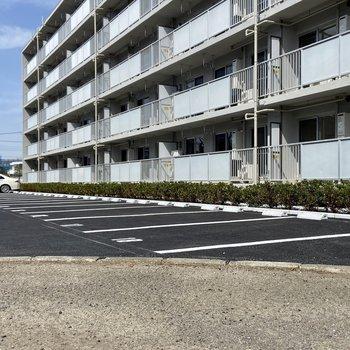 建物の横に駐車場もありました。※要空確認