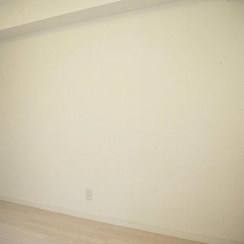 本棚やラックはこちら側に置こうかな※写真は4階の同間取り別部屋のものです