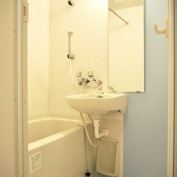 水色で爽やかさUP※写真は4階の同間取り別部屋のものです