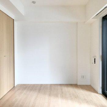 【寝室】約5帖の広さがあります。