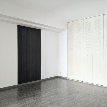 【洋室】寝室として使うのに良さそうな広さ。