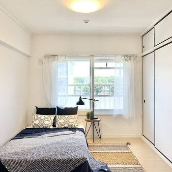 【洋室5.89帖】寝室として使うのがよさそう。※写真は4階の同間取りモデルルームのものです