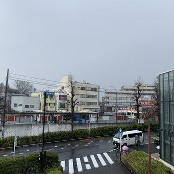 駅前の様子。