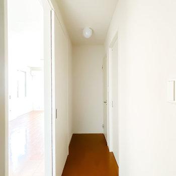 その他の水回りは廊下に出て左側に。