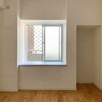 寝室は4.8帖※写真は6階の同間取り、別部屋のもの