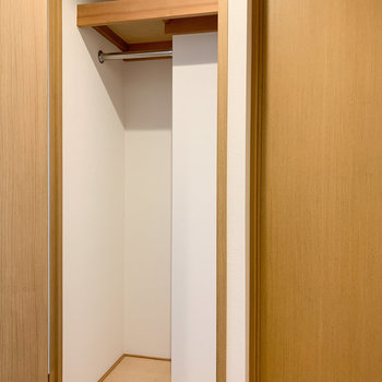 寝室横の隠し収納!※写真は6階の同間取り、別部屋のもの