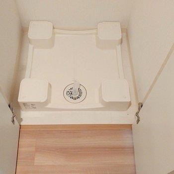 洗濯パンは扉の中に。(※写真は3階の同間取り別部屋のものです)