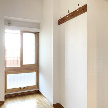 【約4帖洋室】コンパクトな洋室。収納部屋にしても良さそうです。