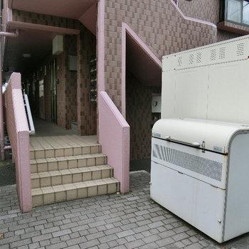 便利な敷地内ゴミ置場があります