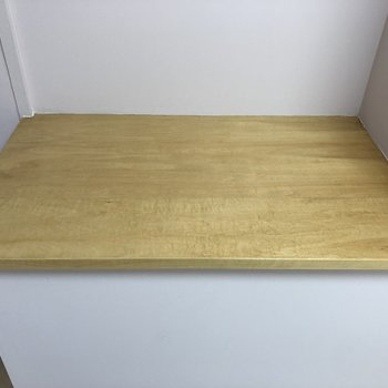 キッチン後ろにはちょいカウンターあります。電子レンジとか炊飯器置場かな